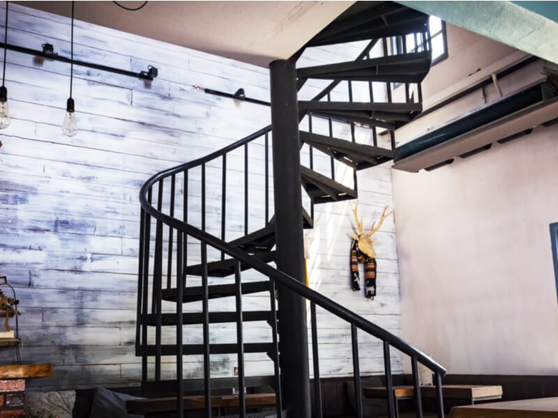 Secret Advantages of a Spiral Staircase in Your Home